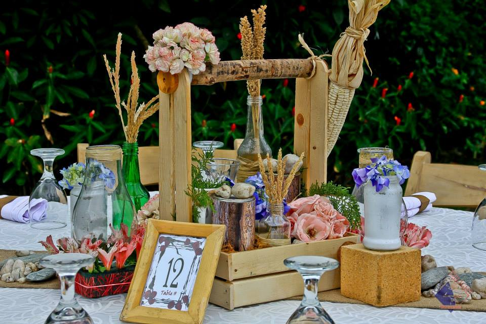 make your own wedding flower centerpieces%0A And of course  on the list is our very own toolbox centerpiece  Perfect for  rusticthemed wedding  this design would make an ordinary garden wedding a